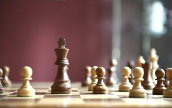 Faire une partie d'échecs, un véritable sport.